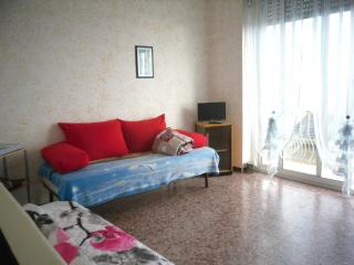 Nice Townhouse with Television and Balcony - Bussana vacation rentals