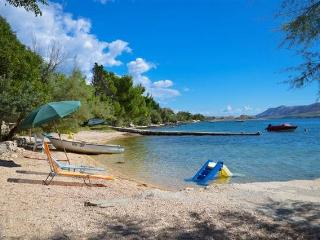 Kustic 1 apartment for 5 people by the sea - Novalja vacation rentals