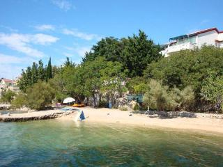 Kustic 5 apartment for 3 people by the sea - Novalja vacation rentals