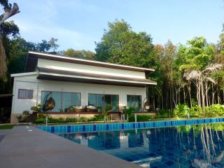 Koh Changs Newest Pool and Oceanfront Villa - Koh Chang vacation rentals