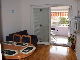 Makky apartment for 6 people in the CENTER! - Novalja vacation rentals