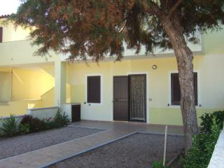 Trilocale zona residenziale - Santa Teresa di Gallura vacation rentals