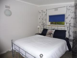 Pam's Place, Garden apartment, Johannesburg suburb - Krugersdorp vacation rentals