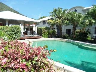 Stunning 1 or 2 Bedroom Courtyard Apartments - Palm Cove vacation rentals