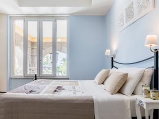 BEAUTIFULL ROOM IN THE  HEART OF STORICAL CENTER - Cagliari vacation rentals
