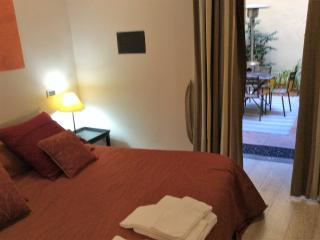Domus Ciancaleoni ORANGE Suite Colosseum - Rome vacation rentals