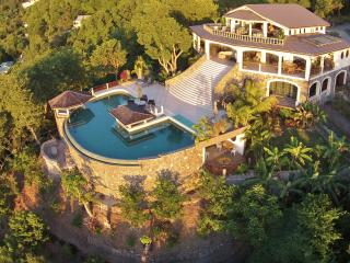 TROPICAL HIDEAWAY Spectacular*Amazing*Breathtaking - Richmond vacation rentals