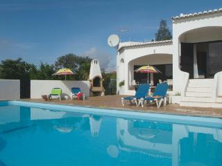 Idyllic 3 bedroom property sleeping 6 in Albufeira - Olhos de Agua vacation rentals