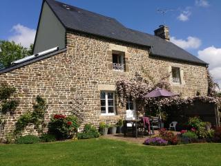 La Maison du Pêcheur, gite de charme, jardin, wifi - Villedieu-les-Poeles vacation rentals