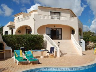 Stunning 3 bedroom villa with pool in Vilamoura. - Vilamoura vacation rentals