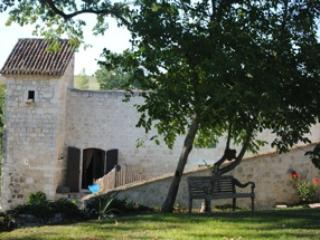 La Bergerie - Château de Plèneselve - Gite - Bon-Encontre vacation rentals