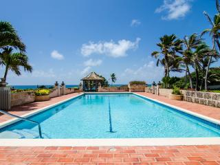 Beautiful Three Bedroom House Overlooking The Deep Blue Sea - Bottom Bay vacation rentals