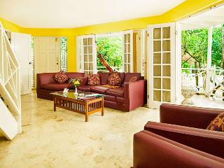 2 bedroom Village  balcony & Private pool spa RonV - Negril vacation rentals