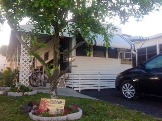 Florida Vacation Trailer Sale, 55+ park - Largo vacation rentals