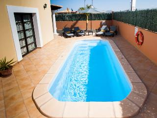 Villa with private swimming Pool & Golf - Corralejo vacation rentals