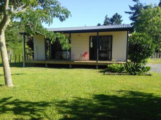 Nice 2 bedroom Katikati Cottage with Internet Access - Katikati vacation rentals