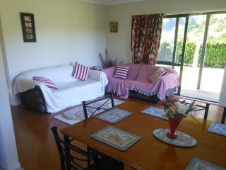 Cozy 2 bedroom Cottage in Katikati - Katikati vacation rentals