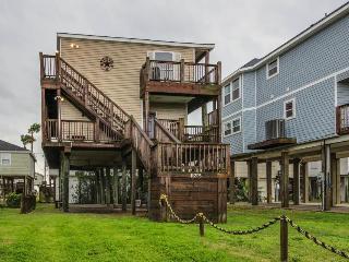 Ocean-themed bungalow - beach access & decks w/Gulf views! - Galveston vacation rentals