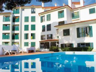 POOL & PARKING: THE PERFECT SPOT - Estoril vacation rentals