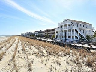 Oceanfront 1 bedroom apartment on the boardwalk! - Bethany Beach vacation rentals