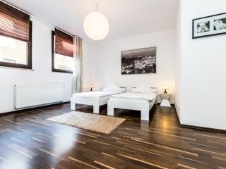 Appartment Köln Mülheim G37 - Cologne vacation rentals