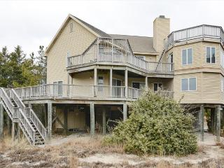 Lovely 6 bedroom home with excellent ocean views. Walk to the beach! - Cedar Neck vacation rentals