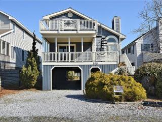 1.5 Blocks to the beach - beautiful 5 bedroom 4 bath house with loft. - Bethany Beach vacation rentals
