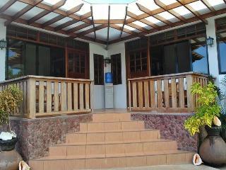 Cozy 3 bedroom Bed and Breakfast in Puerto Princesa - Puerto Princesa vacation rentals