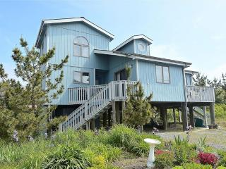 Less than a block to the beach! Large deck with ocean views - South Bethany Beach vacation rentals