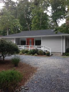 Nice House with Deck and Internet Access - Bethany vacation rentals