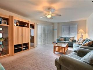 Nice Condo with Internet Access and Dishwasher - Diamond Beach vacation rentals