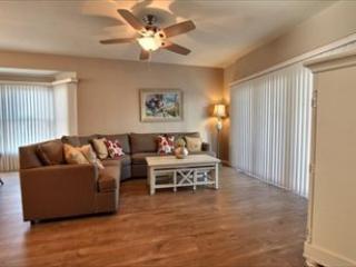 3 bedroom Apartment with Deck in Diamond Beach - Diamond Beach vacation rentals