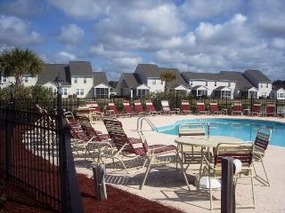 3b/2.5BA Elegant Decor, Sleeps 8 - North Myrtle Beach vacation rentals