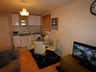 2 Bed Apartment in Thamesmead, London - London vacation rentals