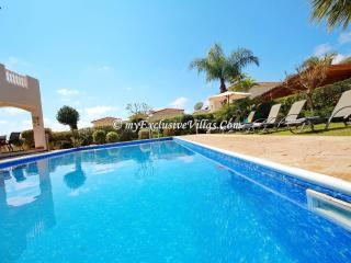 Beautiful 3 bedroom Coral Bay Villa with Internet Access - Coral Bay vacation rentals