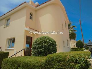 Nice Villa with Internet Access and Dishwasher - Coral Bay vacation rentals