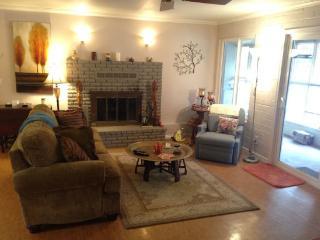 Cozy Chapel Getaway - BELL ROCK DR - SO83 - Sedona vacation rentals