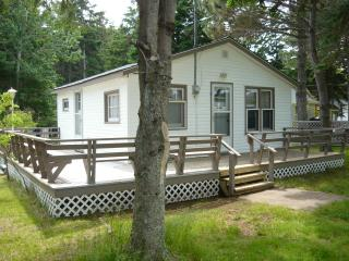 Delmar Cottage #07 rents from Saturday to Saturday - Stanhope vacation rentals