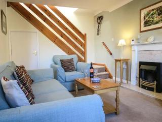 WESTGATE COTTAGE, WiFi, garden with furniture, great base for walking, Ref 904079 - Pickering vacation rentals