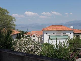 Niko A2 kat(4+2) - Supetar - Supetar vacation rentals
