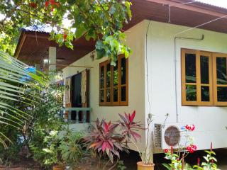 2 bedroom House with Internet Access in Mae Nam - Mae Nam vacation rentals