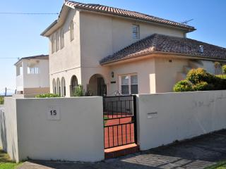 Cozy 3 bedroom Maroubra House with Internet Access - Maroubra vacation rentals