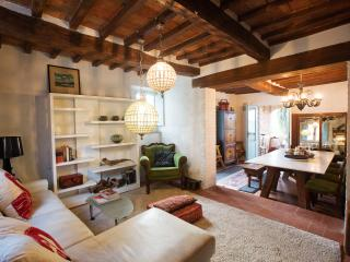Perfect Villa with Internet Access and Satellite Or Cable TV - Gioiella vacation rentals