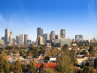 Comfortable 4 bedroom Townhouse in Melbourne - Melbourne vacation rentals