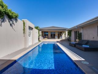 Kraimorie - Luxury Mount Martha Retreat - Mount Martha vacation rentals