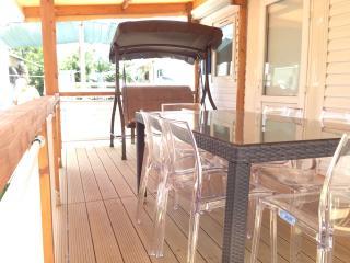 case mobili in camping a pochi passi dal mare - Campofelice di Roccella vacation rentals