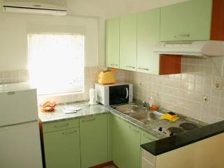 Natali 3 nice apartment for 5 people - Novalja vacation rentals