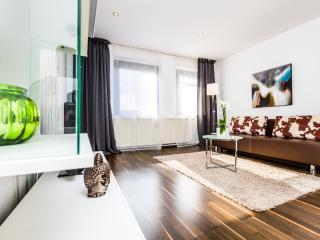 Appartment Köln Mülheim G39 - Cologne vacation rentals