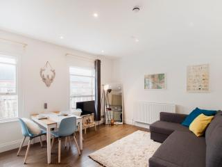 ::. Greyhound Lux One bedroom Flat 2 .:: - London vacation rentals