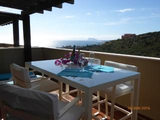 Nice 2 bedroom Vacation Rental in Puerto de la Duquesa - Puerto de la Duquesa vacation rentals